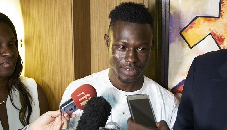 Mamoudou Gassama threaten with deportation?