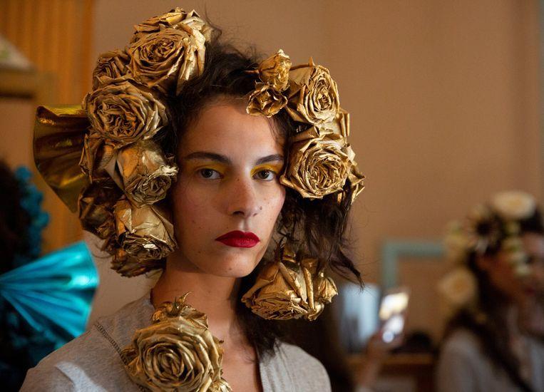 Rodarte impresses the catwalk with beautiful flower crowns [Photos]