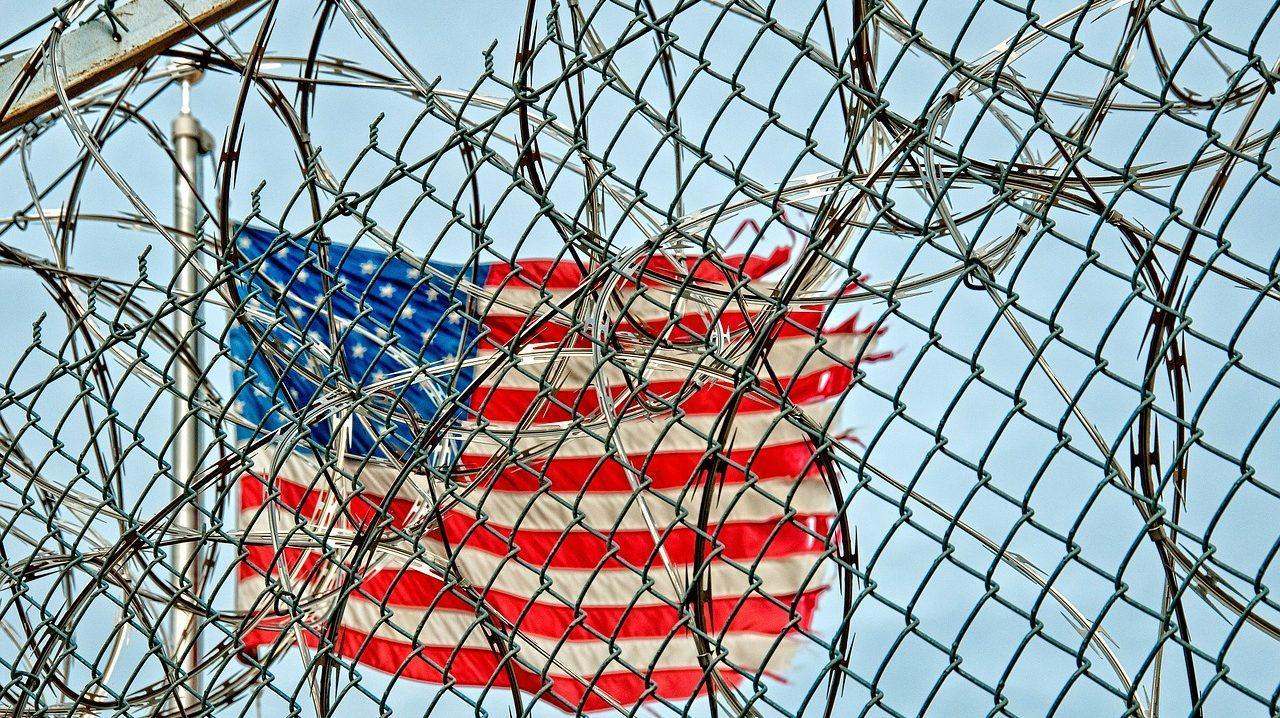cropped prison 370112 1280