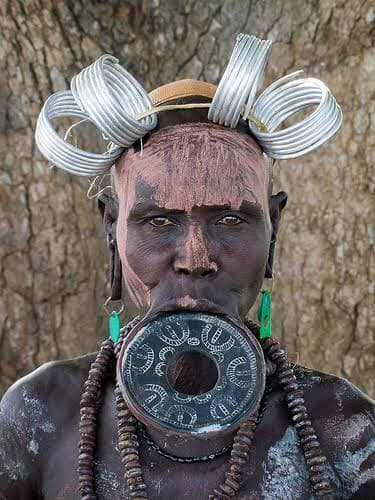 African tribes that practice lip plate [Photos]