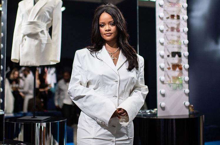 Why Rihanna forbade photographers and mobile phones at her latest fashion show