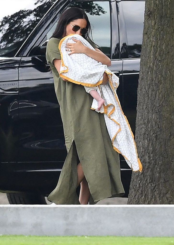 """""""How hypocritical can you be?"""": Meghan under fire for baby Archie's blanket"""