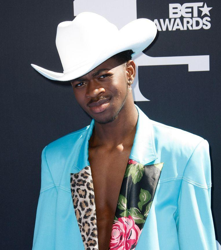 Lil Nas X comes out of the closet