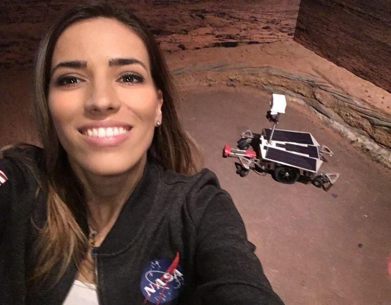 Greek scientist boasts with achievements at NASA, but some detective brings truth to light