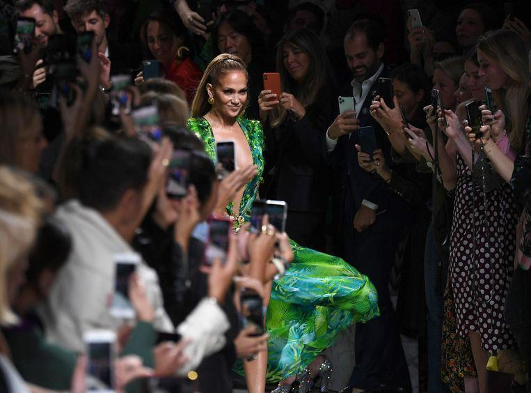 Jennifer Lopez closes Versace show in iconic green dress