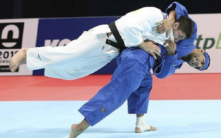 Iranian deliberately lost at Casco World Championship from Casse or his family would be killed