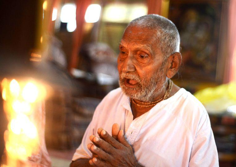 """1896 born monk goes by title oldest man ever: """"my secret is never Sex and a lot of yoga"""""""