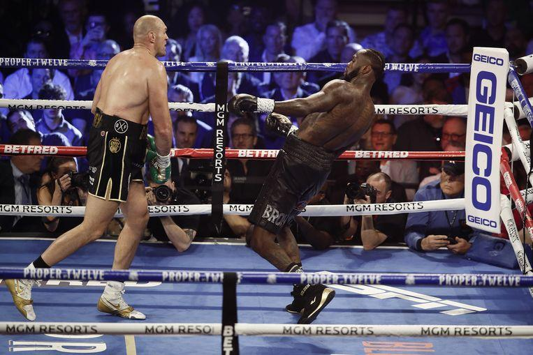 Fury beats Wilder with a technical knockout, entrances audience with his singing skills