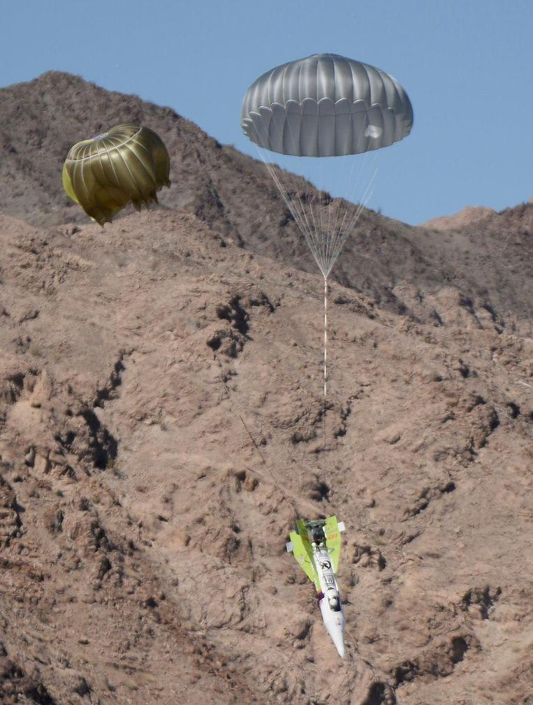 """Footage of the first """"Mad"""" Mike Hughes launch attempt near Amboy in California in 2018."""