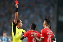 8 red cards in 10 minutes: Brazilian derby completely out of hand