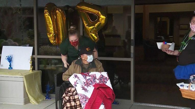 The American Bill Lapschies celebrated his 104th birthday last week and the fact that he was cured of Covid-19.
