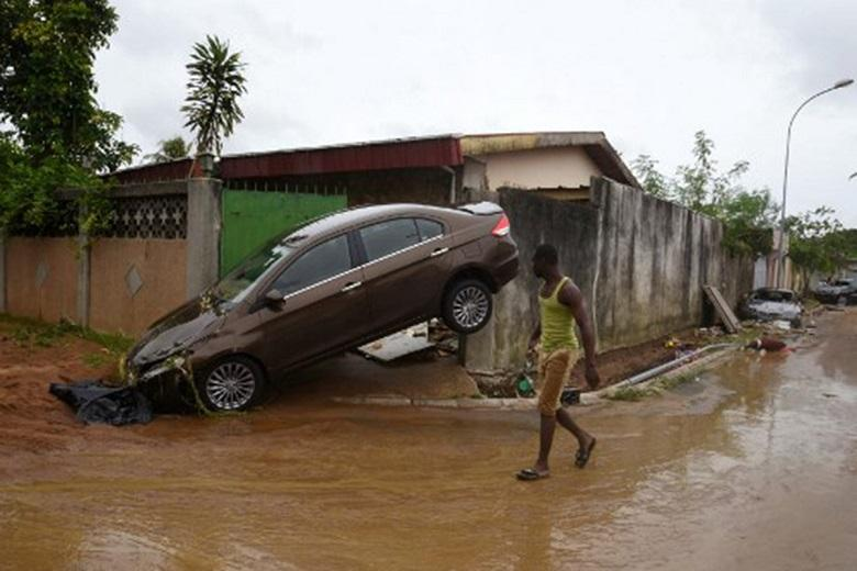 At least five dead in Abidjan floods