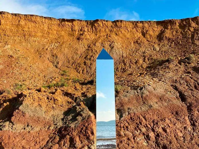 Mysterious monolith appeared on Isle of Wight