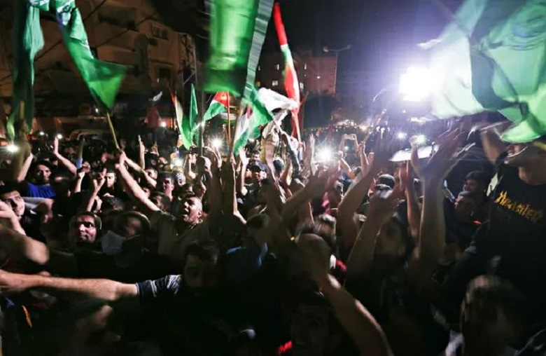 Hamas reopens government buildings in Gaza Strip