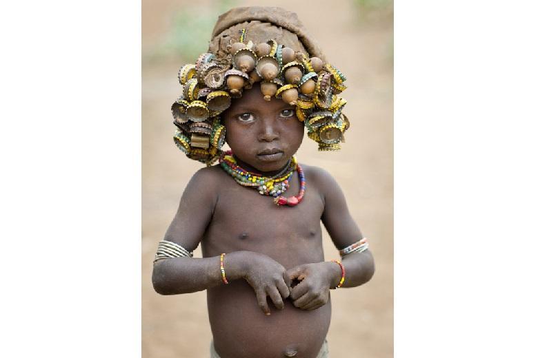 Little fashion-girl on bottlecap