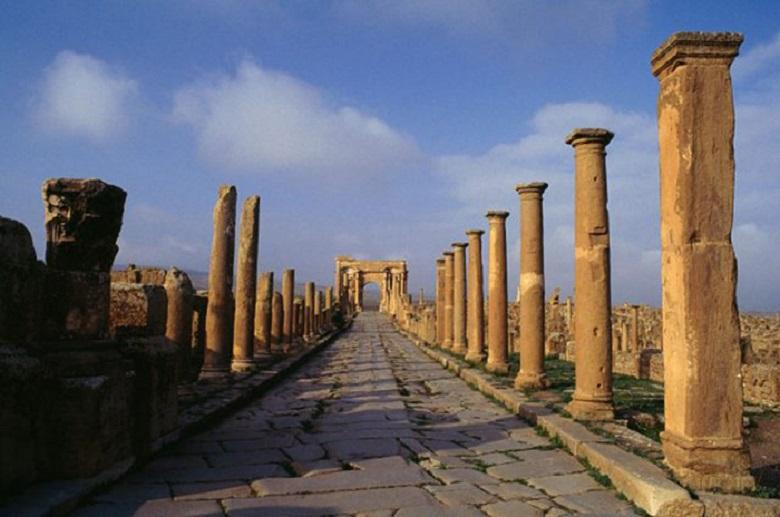 One of the roads to Timgad
