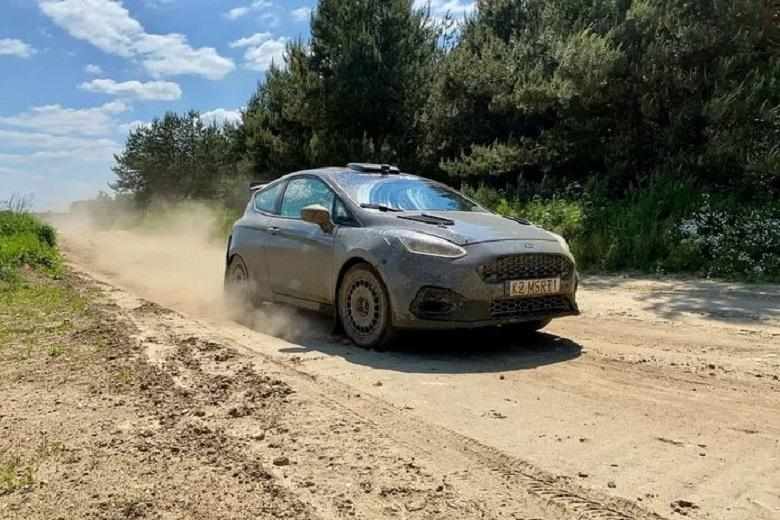 Former rally champion of 91(!) makes comeback in Kenya
