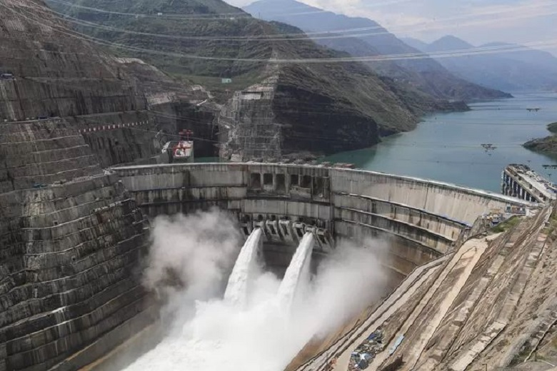 China starts up world's second-largest hydroelectric power station