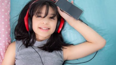 Study finds that listening to music before going to bed interferes with sleep