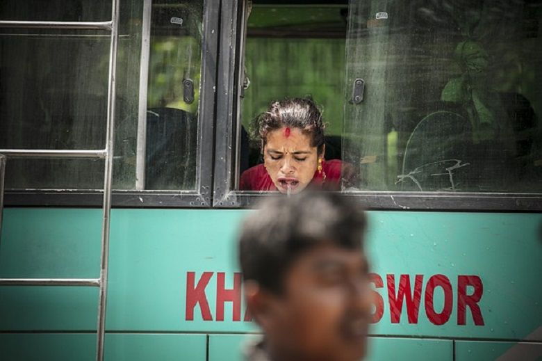 5 effective ways to cope with motion sickness in transport without medication