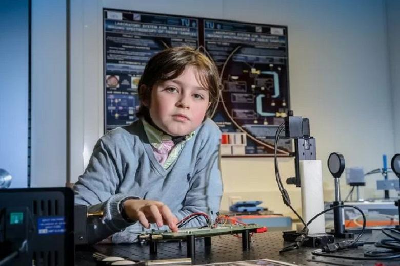 11-year-old Flemish-Dutch genius Laurent Simons
